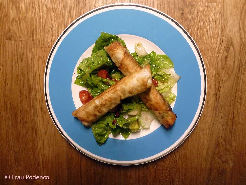 Zigaretten-Börek, Salat, türkisch, vegetarisch