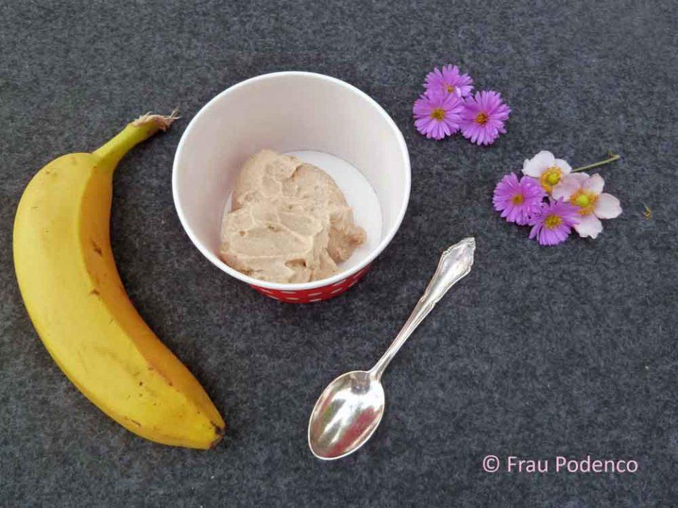 Erdnussbuttereis, Banane, Erdnussbutter