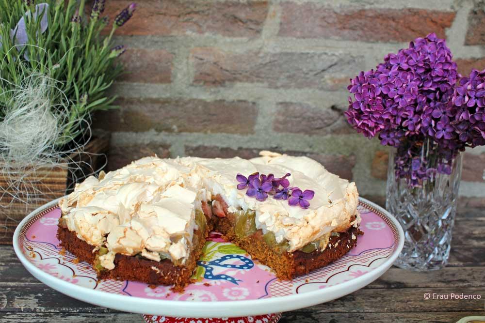 Rhabarber-Baiser-Kuchen einfaches Rezept