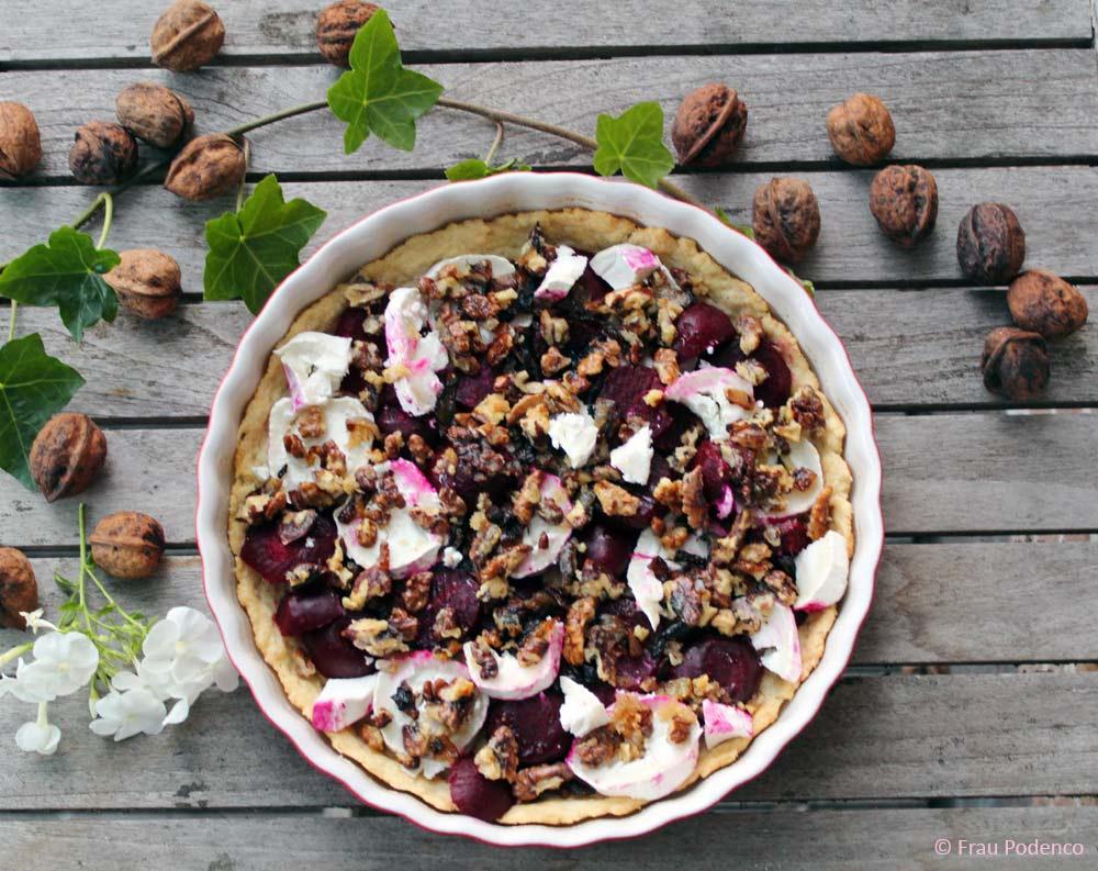 vegetarische Tart mit Ziegenkäse, Roter Bete und karamellisierten Walnüssen, Rezept, Spätsommergericht