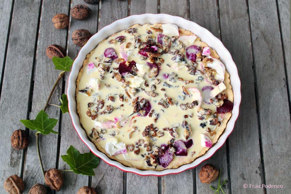 vegetarische Quiche mit Ziegenkäse, Roter Bete und karamellisierten Walnüssen, Rezept