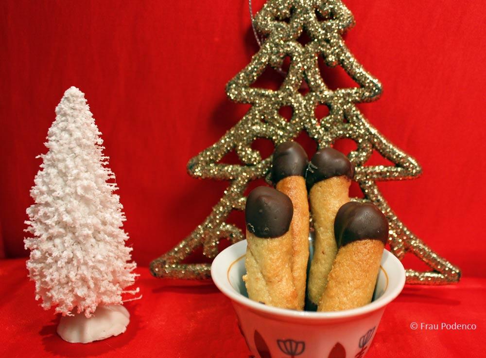 weihnachtsbäckerei mit marzipan und cahews