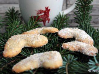 Rezepte aus der Weihnachtsbäckerei, einfache Vanillekipferl