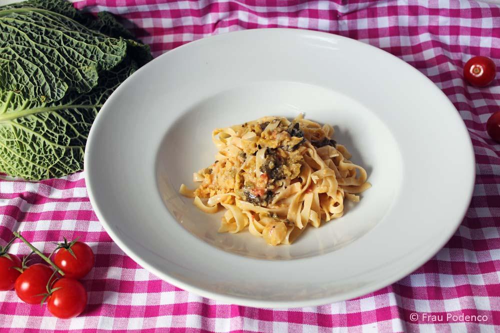 Bandnudeln mit Wirsing-Gorgonzola-Sauce einfach vegetarisch