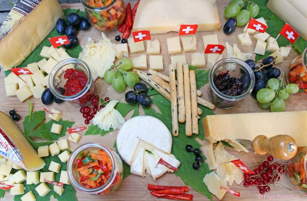 käseplatte dekorieren mit Beilagen, Rezept Chutney, Paprika-Marmelade